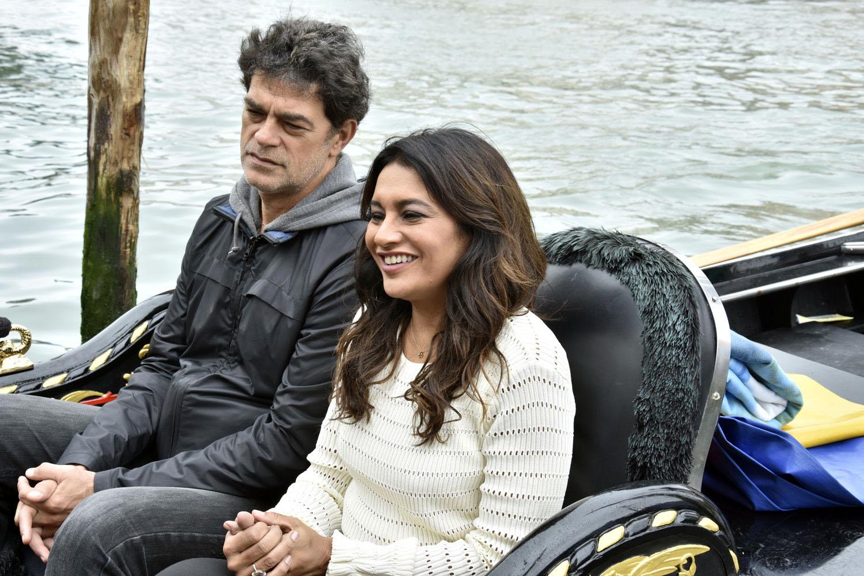 Eudardo Moscovis and Dira Paes in gondola in Venice veneza brazilian movie