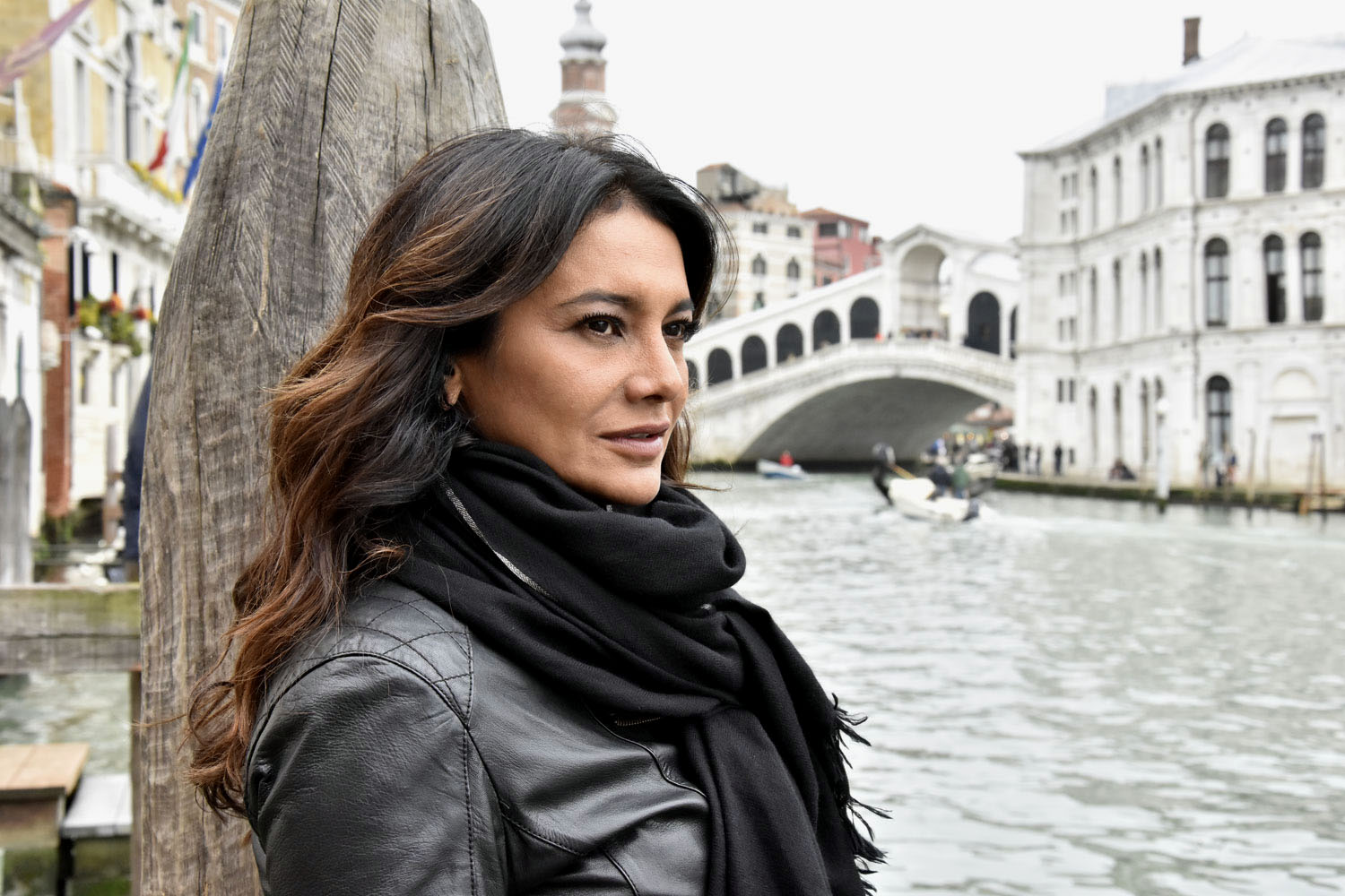 Dira Paes in Venice veneza brazilian movie
